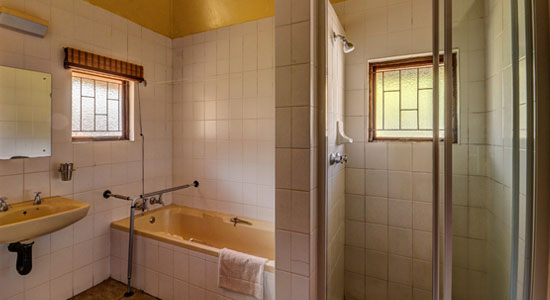 Thendele Camp 2 bed Chalet Bathroom Self-Catering Drakensberg Accommodation Upper Camp Royal Natal Park