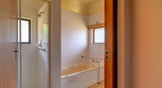 Self-Catering Drakensberg Accommodation Thendele Camp Bathroom 4 bed Chalet  Upper Camp Royal Natal Park